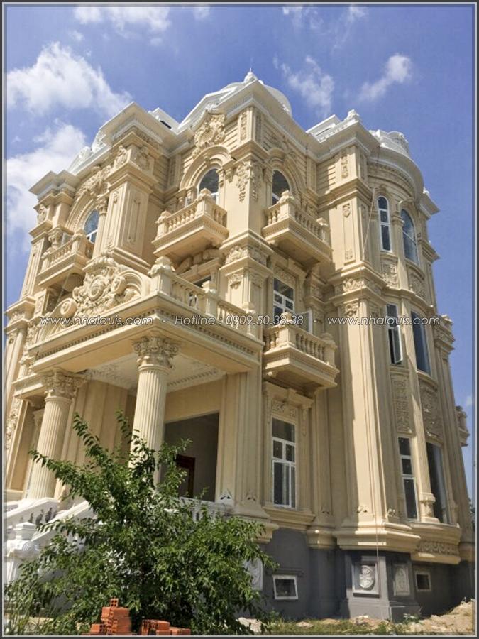 Ngỡ ngàng vẻ đẹp nao lòng với thiết kế biệt thự cổ điển ở Củ Chi - 4
