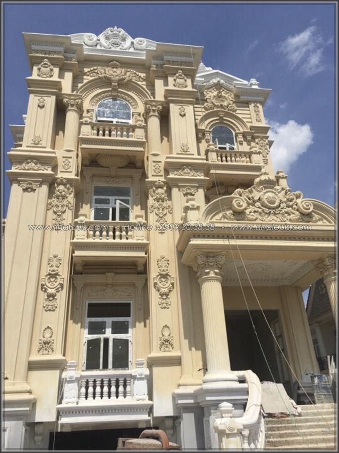 Ngỡ ngàng vẻ đẹp nao lòng với thiết kế biệt thự cổ điển ở Củ Chi - 5