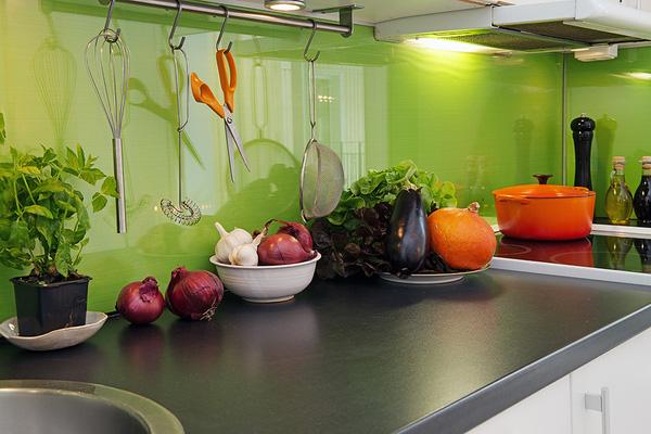 Thiết kế phòng bếp tươi mát với những điểm nhấn từ thiên nhiên - 04