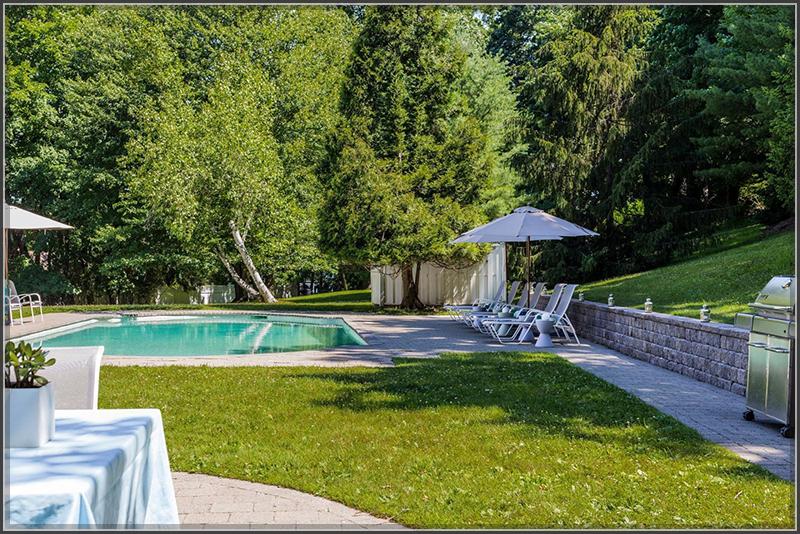 Đẹp mê mẩn với biệt thự kiểu Mỹ nhà vườn đầy tinh tế và sang trọng - 07