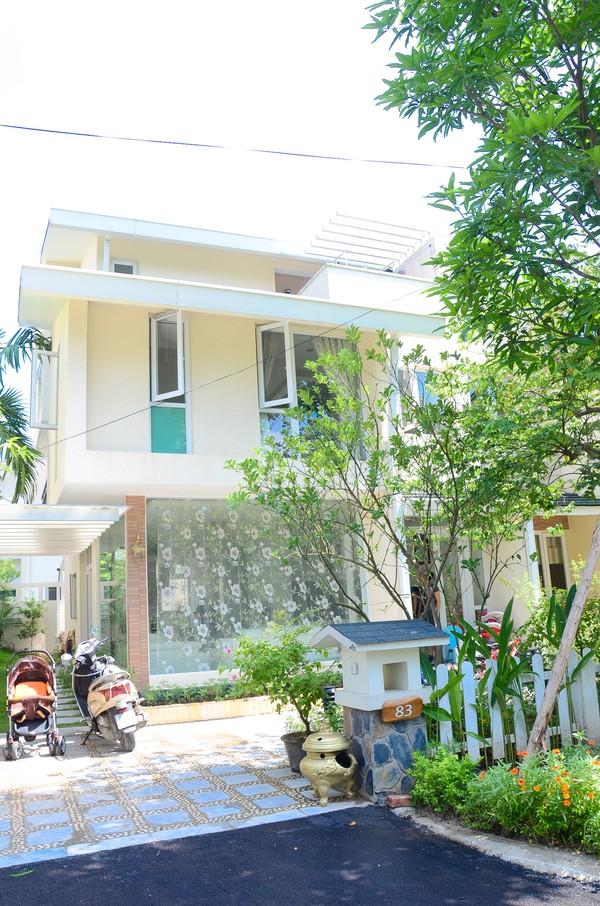 Đột nhập căn biệt thự màu trắng tại Hà Nội đẹp ấn tượng và tinh tế - 01