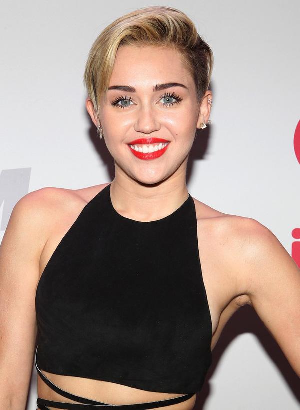 Đứng hình trước ngôi biệt thự hiện đại triệu đô của Miley Cirus - 01