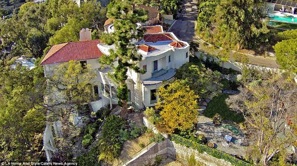 """Biệt thự phong cách Địa Trung Hải của """"Bố già"""" Marlon Brando - 02"""