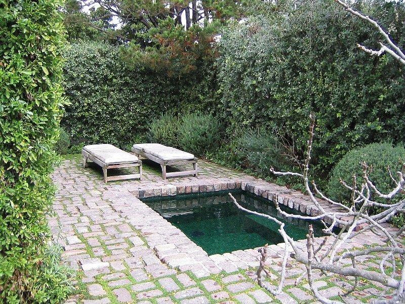 Biệt thự vườn bình yên của sao Chạng Vạng Robert Pattinson - 05