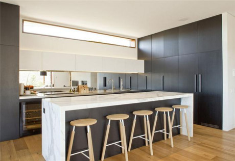 Mách bạn cách thiết kế phòng bếp tối giản cho biệt thự ngăn nắp