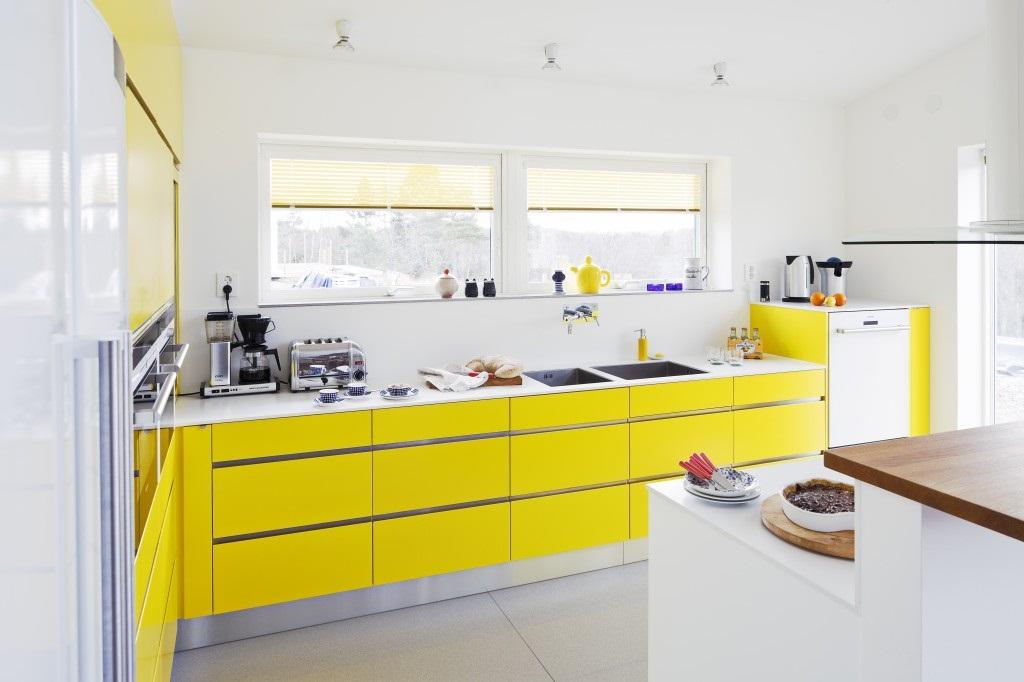 Thiết kế phòng bếp màu vàng chanh nổi bật ấn tượng - 04