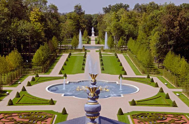 Biệt thự cổ điển châu Âu dát vàng đắt giá nhất hành tinh - 03