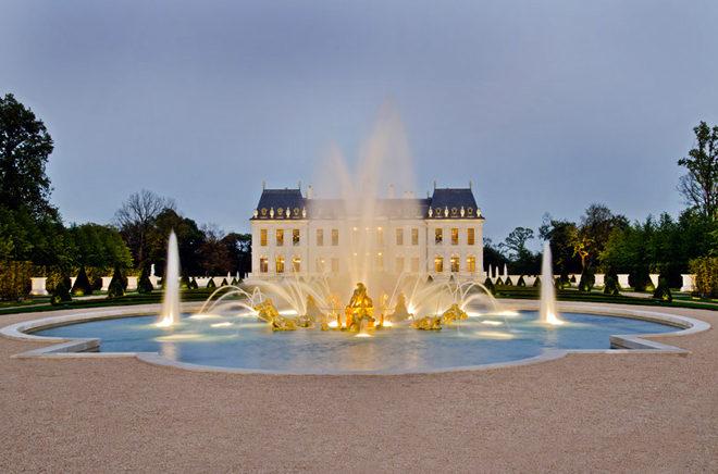Biệt thự cổ điển châu Âu dát vàng đắt giá nhất hành tinh - 04