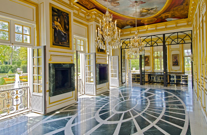 Biệt thự cổ điển châu Âu dát vàng đắt giá nhất hành tinh - 05