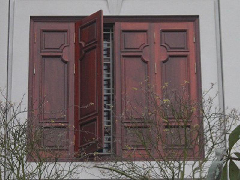 Những mẫu cửa sổ đơn giản cho biệt thự 2 tầng tân cổ điển sang trọng