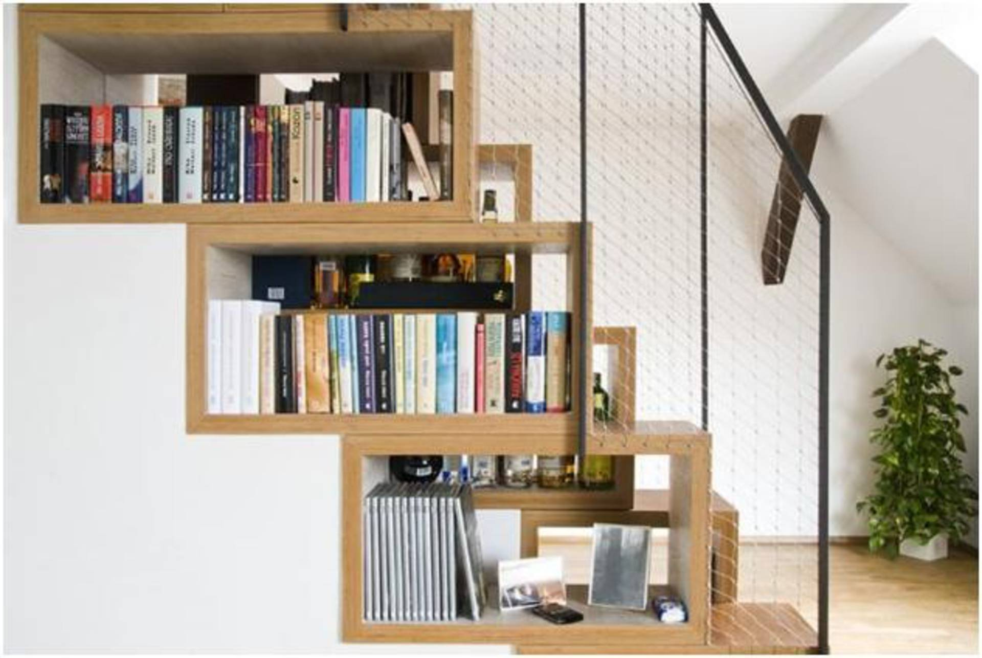 Mẹo thiết kế phòng khách có cầu thang tối ưu, độc đáo nhất