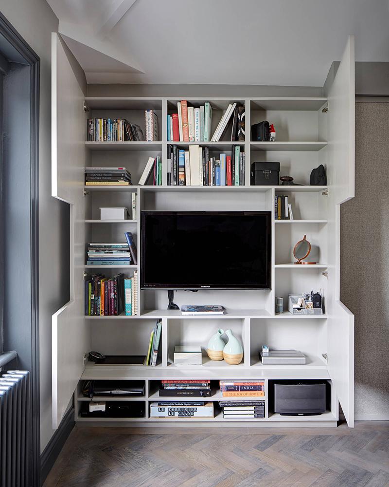Tủ tường gỗ hoàn hảo cho những chủ nhân yêu sách.
