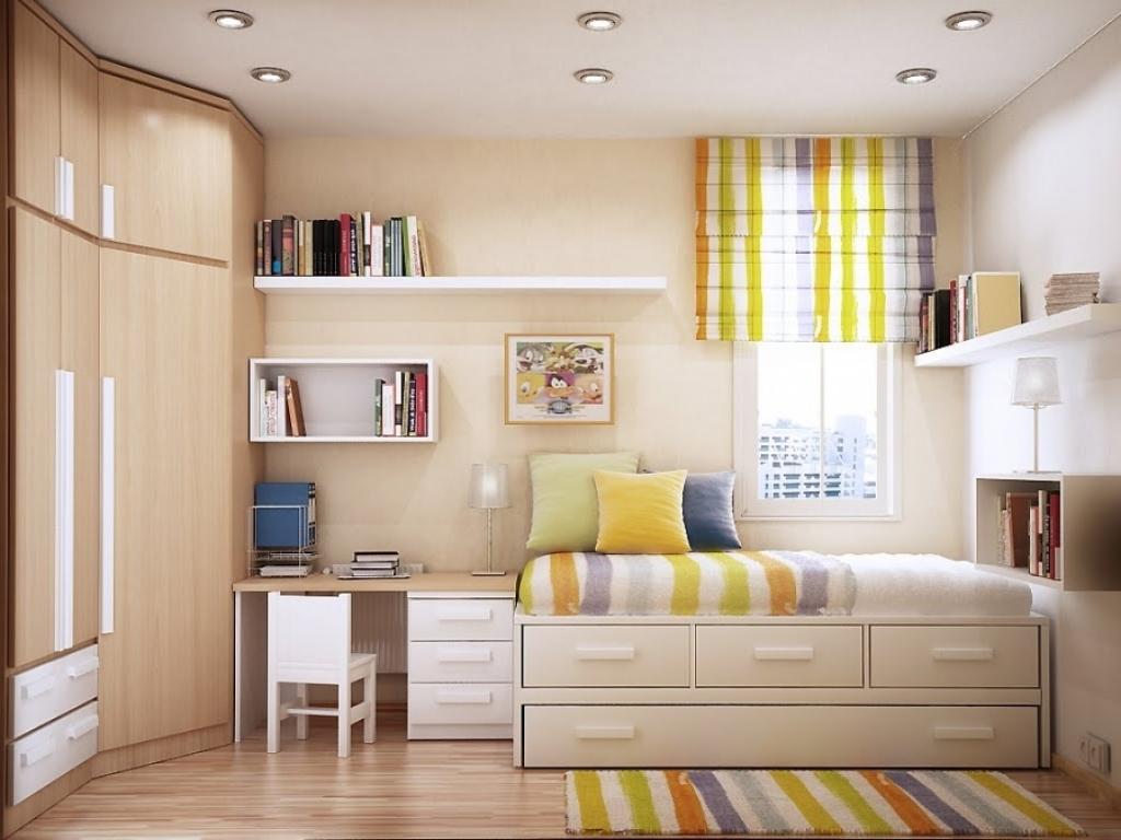 Với tông màu trầm, không gian phòng ngủ không quá sặc sỡ nhưng vẫn thể hiện nét sang trọng, tinh tế