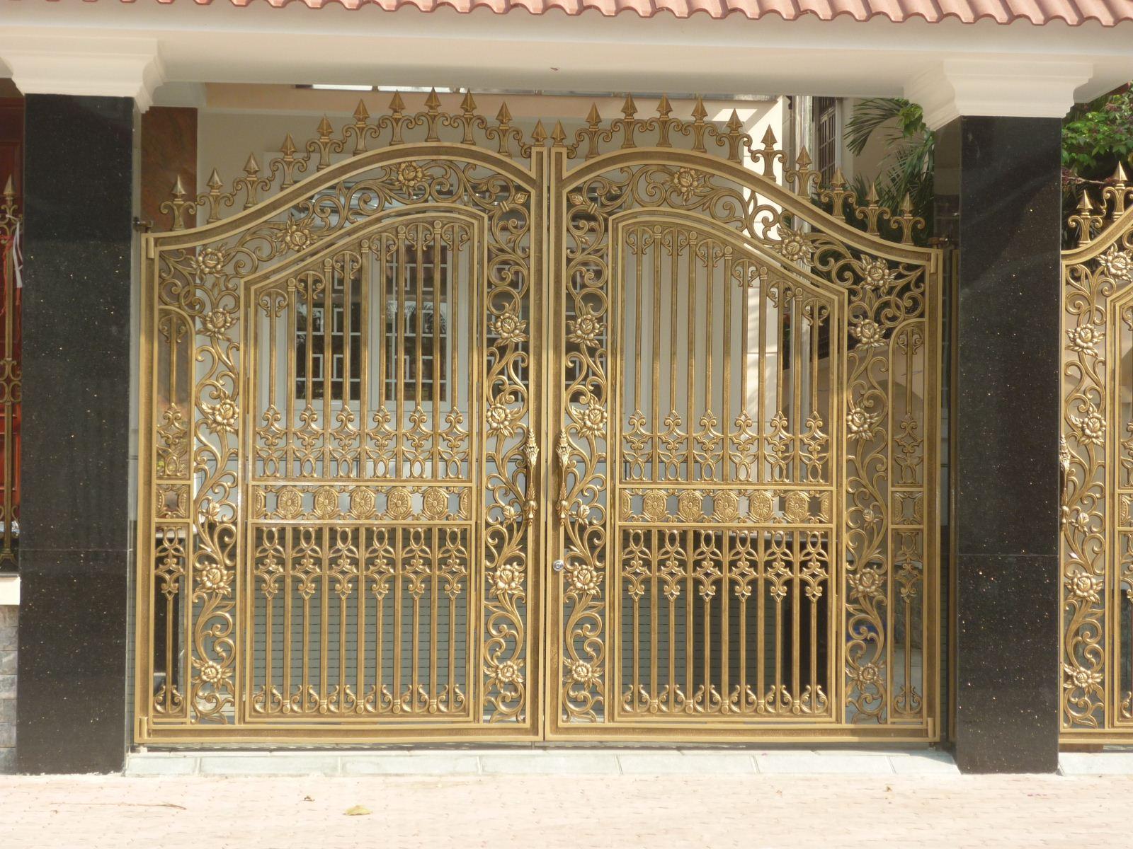 gia chủ cũng không nên thiết kế cổng biệt thự quá nhỏ, bởi sẽ không đủ khí để dẫn vào trong nhà