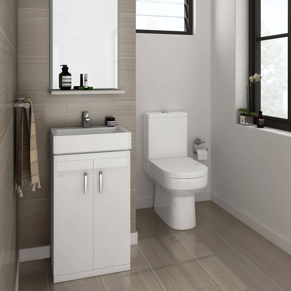 Đặc điểm của cabin tắm kính chính là khi bạn tắm, nước không thể chảy lênh láng khắp gian phòng