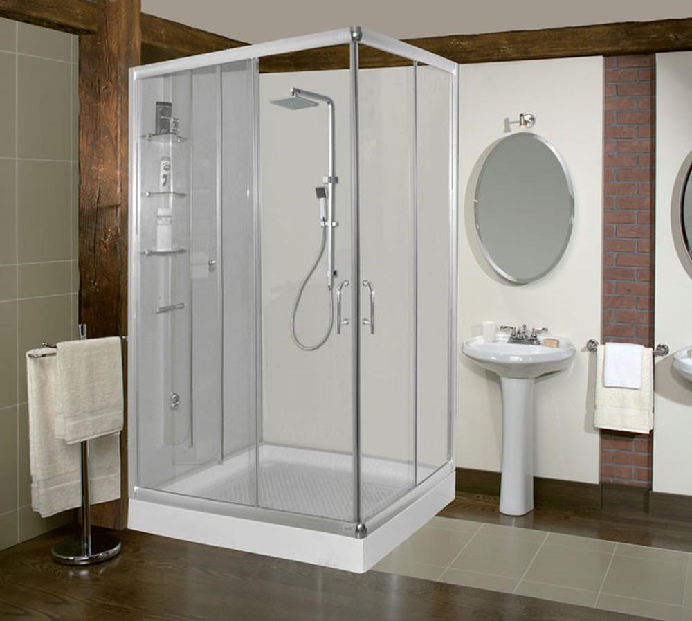 Nếu ngôi nhà bạn là một ngôi biệt thự đẹp, sang trọng với những căn phòng rộng rãi thì bạn nên sử dụng vách kính cho phòng tắm
