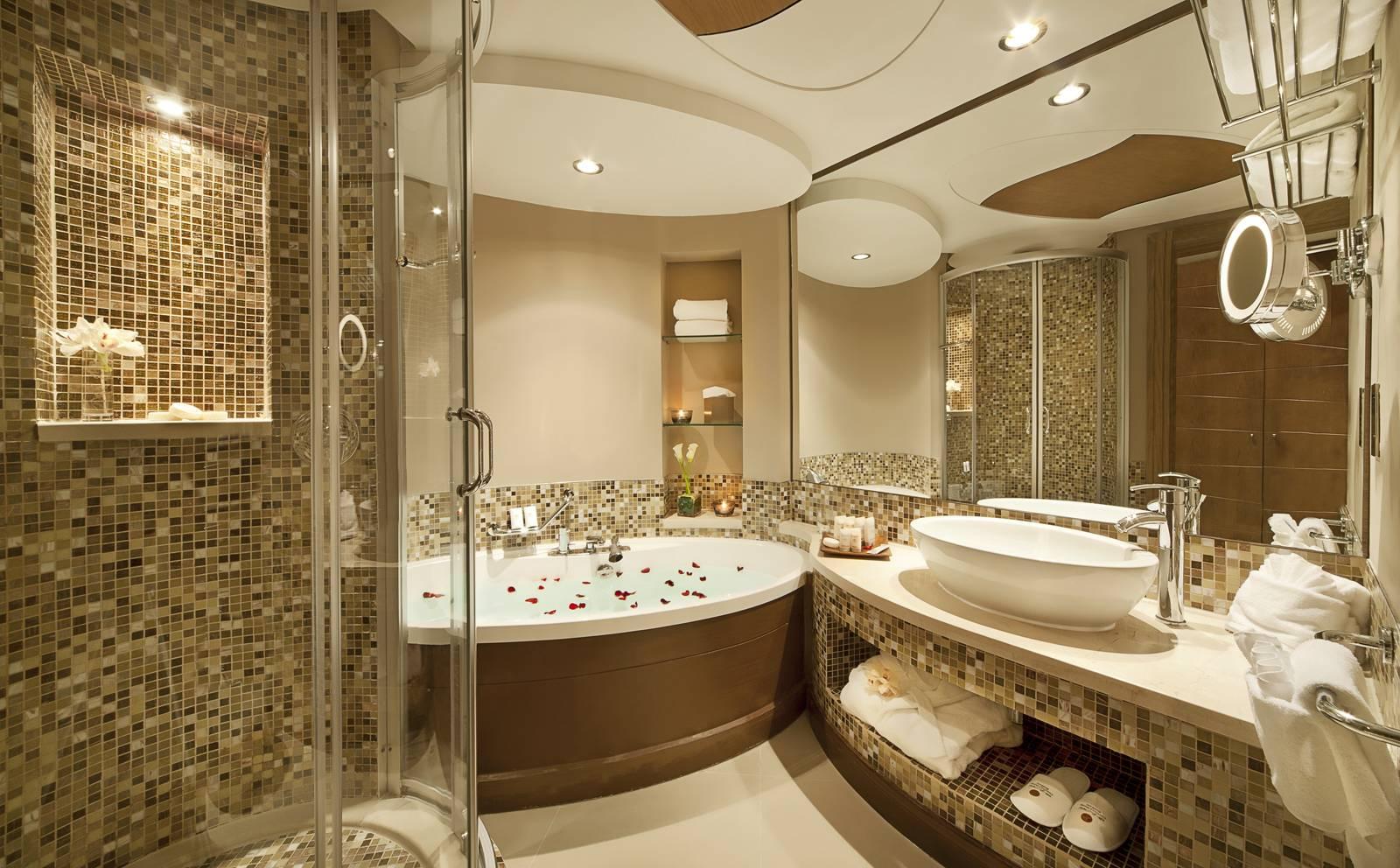 Được lấy cảm hứng từ spa, đá cuội sỏi trong phòng tắm tạo cái nhìn nhẹ nhàng, đầy phong cách