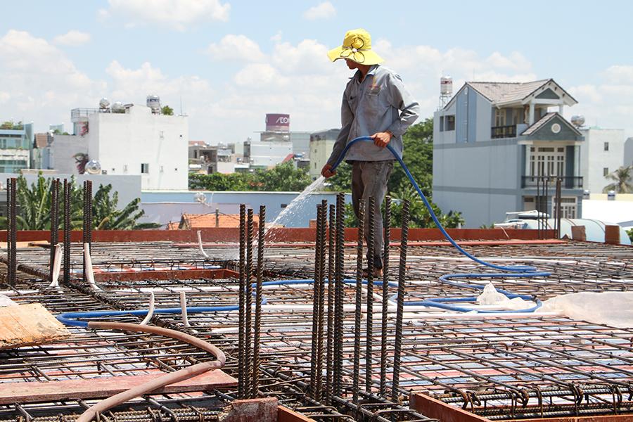 Thi công sàn bê tông biệt thự 3 tầng ở Quận Tân Phú - 2