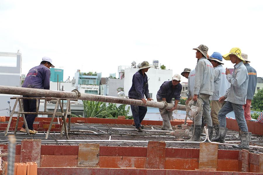Thi công sàn bê tông biệt thự 3 tầng ở Quận Tân Phú - 9