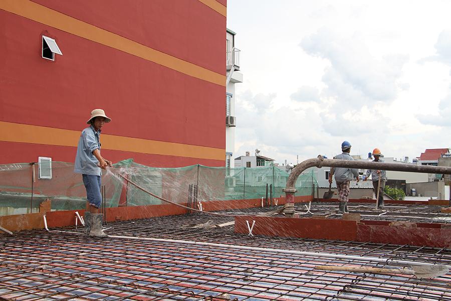 Thi công sàn bê tông biệt thự 3 tầng ở Quận Tân Phú - 3