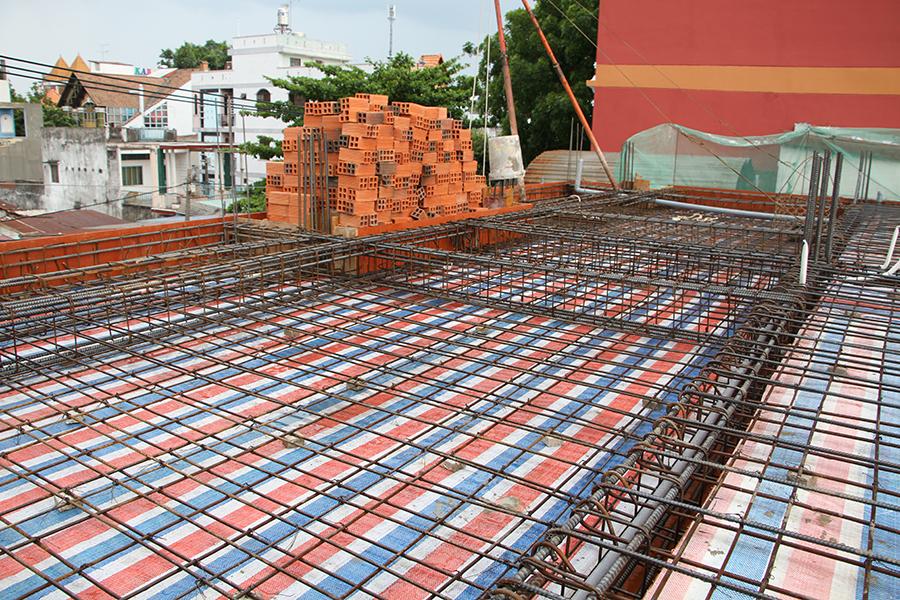 Thi công sàn bê tông biệt thự 3 tầng ở Quận Tân Phú - 1