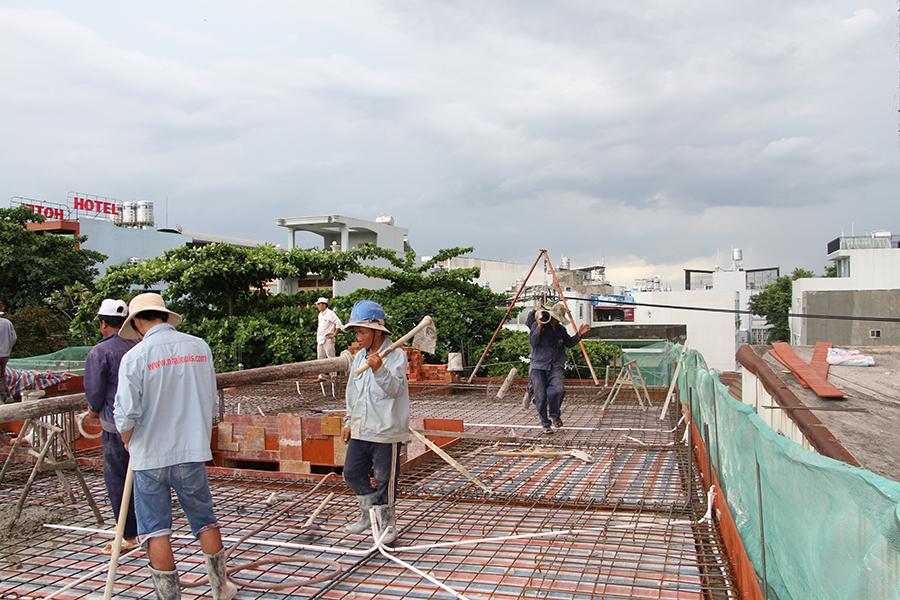 Thi công sàn bê tông biệt thự 3 tầng ở Quận Tân Phú