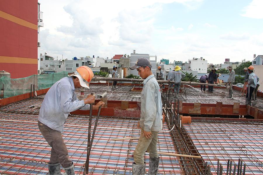 Thi công sàn bê tông biệt thự 3 tầng ở Quận Tân Phú - 8