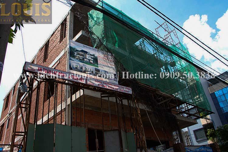 Thi công xây tường gạch ngăn biệt thự vườn 2 tầng ở Quận 8 - 2