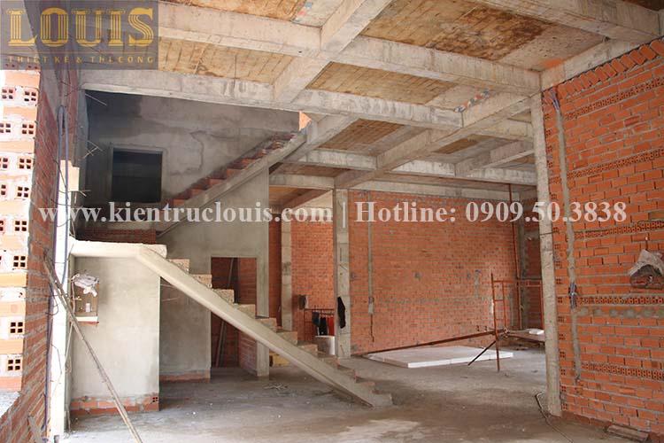 Thi công xây tường gạch ngăn biệt thự vườn 2 tầng ở Quận 8 - 5